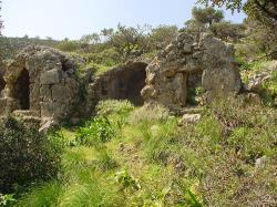 Roman tombs in Lissos